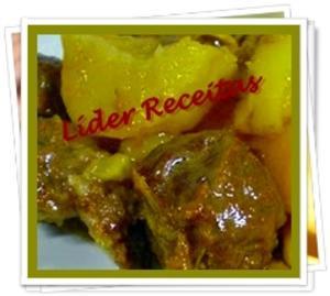 Receita de Ponta de Peito Acebolada com Batatas na Pressão