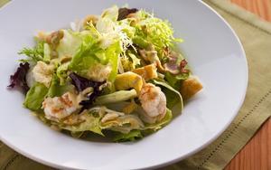 Receita de Salada de funcho com camarão e molho cítrico