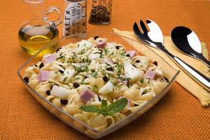 Receita de Salada de Gnocchi com Melão e Presunto