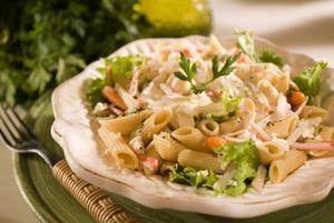 Receita de Salada de Macarrão com Molho de Laranja