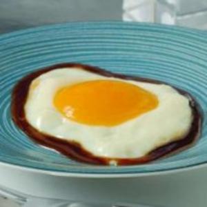 Receita de Sobremesa de Falsos Ovos Fritos