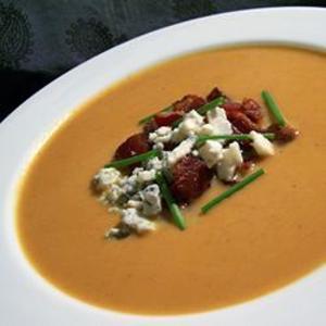 Receita de Sopa cremosa de abóbora com gorgonzola e bacon