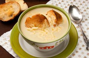 Receita de Sopa de Cebola com Queijo