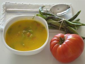 Receita de Sopa de Feijão Verde com Tomate