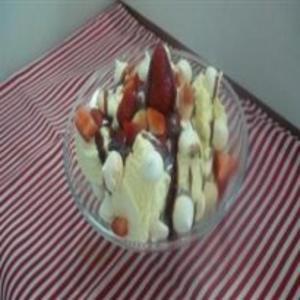 Receita de Taça de sorvete com suspiro e morango