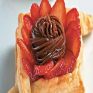 Receita de Tortinha de Massa Folhada com Chocolate e Morango