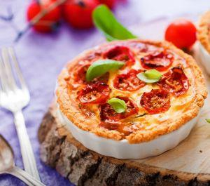 Receita de Tortinha de Tomate Cereja e Manjericão